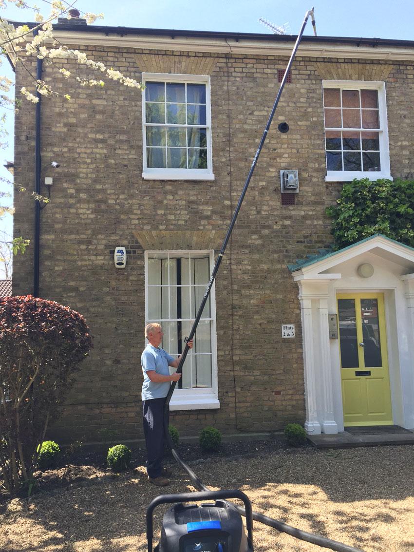 Gutter House Cleaning